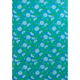 Chrysanthèmes blancs sur fond turquoise